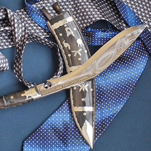 """9"""" Dhankute Horn Engraved Kukri"""